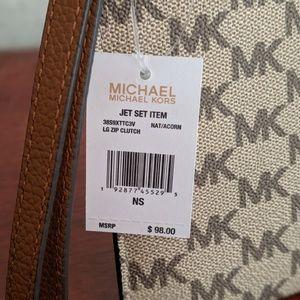 Michael Kors Bags - Michael Kors Large Jet Set Zip Clutch